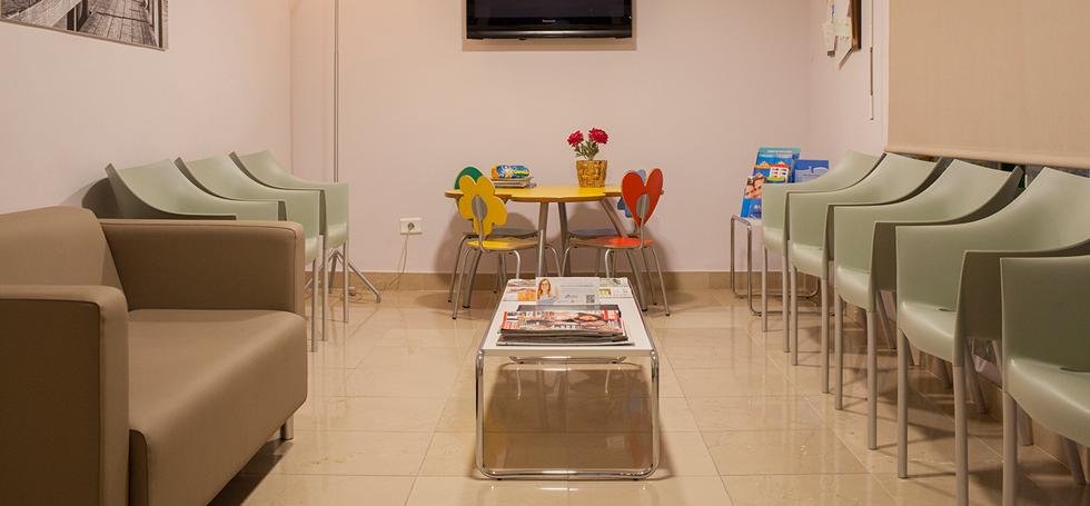 Sala de espera cl nica dental morant - Clinica dental gandia ...